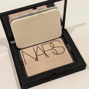 NARS Soft velvet Pressed Powder - FLESH